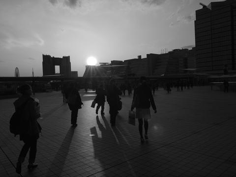 X3293559_色調補正_白黒.jpg